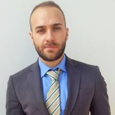Profil Pengguna Carlo