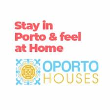 OportoHouses | André & Deli is a superhost.