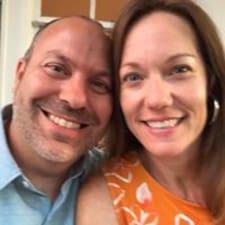 Scott & Beth felhasználói profilja