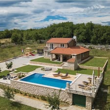 Vila Dražana User Profile