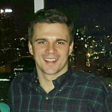 Кориснички профил на Zachary