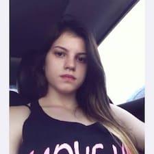 โพรไฟล์ผู้ใช้ Ana Caroline