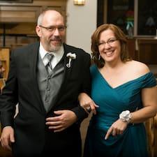 Sandra And Gary is a superhost.