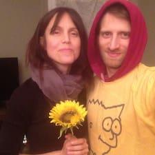 Adam & Christine (Chris) ist ein Superhost.