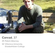 Conrad is een SuperHost.
