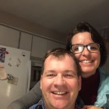 Profil Pengguna Eric & Debbie