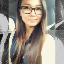 Adèle felhasználói profilja