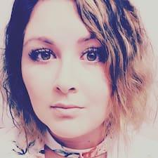 Profilo utente di Adrianne