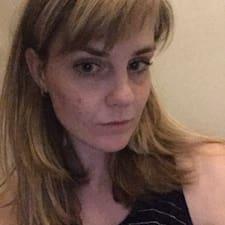 Adéla felhasználói profilja