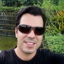โพรไฟล์ผู้ใช้ Carlos Jose