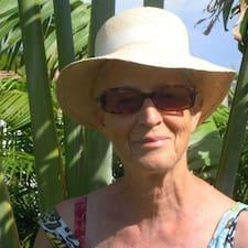 โพรไฟล์ผู้ใช้ Pauline