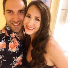 โพรไฟล์ผู้ใช้ Rebecca & William
