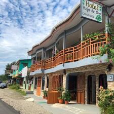 โพรไฟล์ผู้ใช้ Hotel Hoja De Oro Corcovado