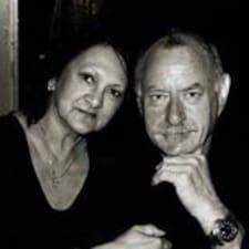 Profilo utente di John And Valerie