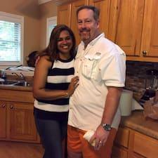 Michael & Stephanie felhasználói profilja