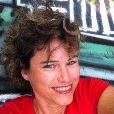 Lauretta felhasználói profilja