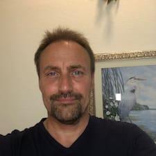 Profil korisnika Darron