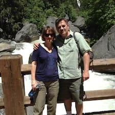 Bob And Barbara Superhost házigazda.