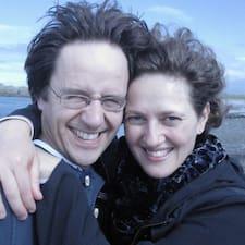 Profil Pengguna Mihaela And Jeremy