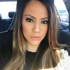 โพรไฟล์ผู้ใช้ Karla