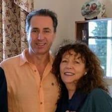 Carolyn & Stephen to Superhost.