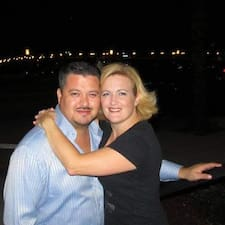 Anthony & Amy Brugerprofil