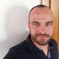 Profilo utente di Tomas
