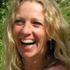 Profil Pengguna Anne Cécile