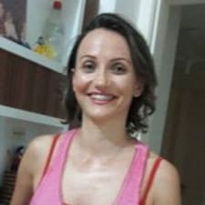 Profil Pengguna Cláudia