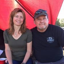 Profilo utente di John &Amp; Becky