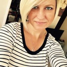 Profil Pengguna Laura Beth