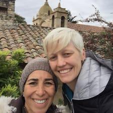 Lorena & Kristi Superhost házigazda.