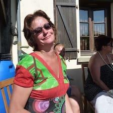 Kathy ialah superhost