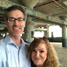 Pete & Denise — суперхозяин.