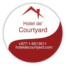 Profil Pengguna Hotel De'Courtyard