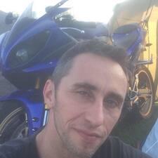 Micke felhasználói profilja
