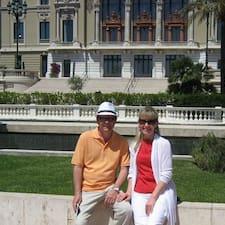 Elena & Paul felhasználói profilja