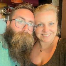 Katie&Dan felhasználói profilja