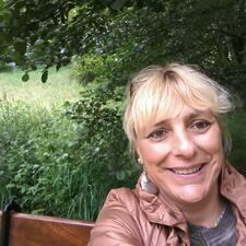 Marie Pierre felhasználói profilja