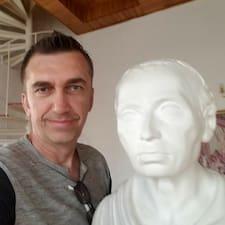 Dario felhasználói profilja