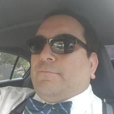 Omid felhasználói profilja