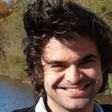 Tucker felhasználói profilja