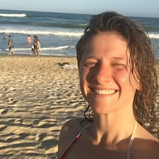 Maria Gabriela felhasználói profilja