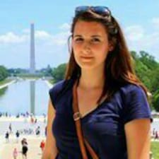 Julia Pia User Profile