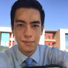 โพรไฟล์ผู้ใช้ Jonathan Javier
