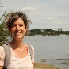 Caroline Profile ng User