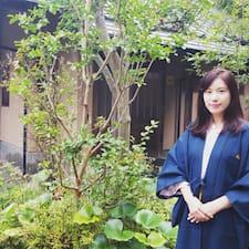 Nayoung Brugerprofil
