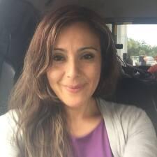 Gabriela Isabel felhasználói profilja