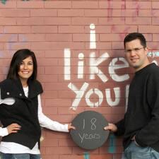 Profil Pengguna Michael And Lisa