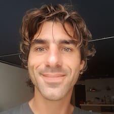 Étienne User Profile